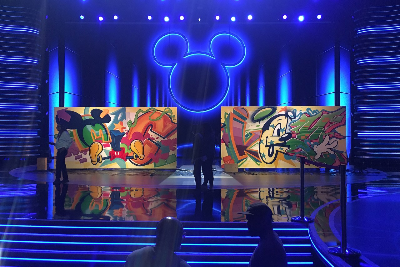 mickey_mouse_90th_anniversary_mural_collaboration_shrine_auditorium_october_2018
