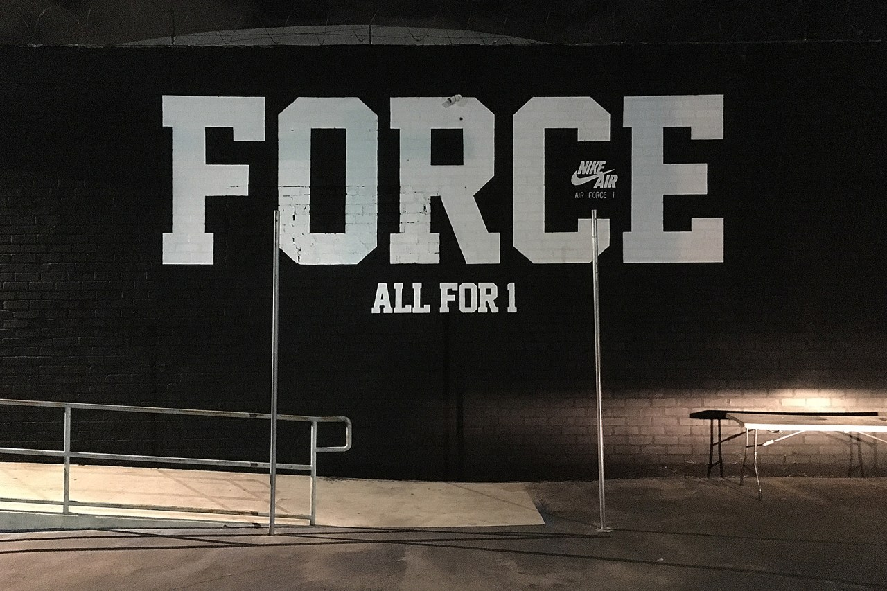 nike_air_force_one_handpainted_sign_mural_south_central_losangeles_november_2018