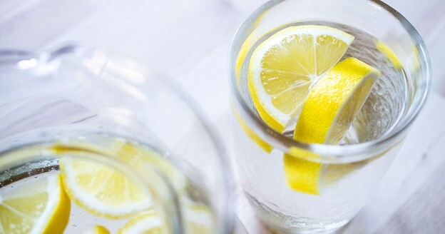 Lemon water to detox