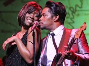 Emi Wokoma &; Chris Tummings in 'Soul Sister'