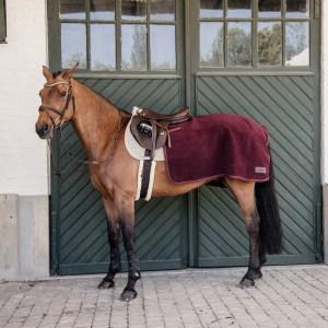 Sellerie En Cadence Montfort L'Amaury Kentucky Couvre reins carré Heavy Fleece Bordeaux