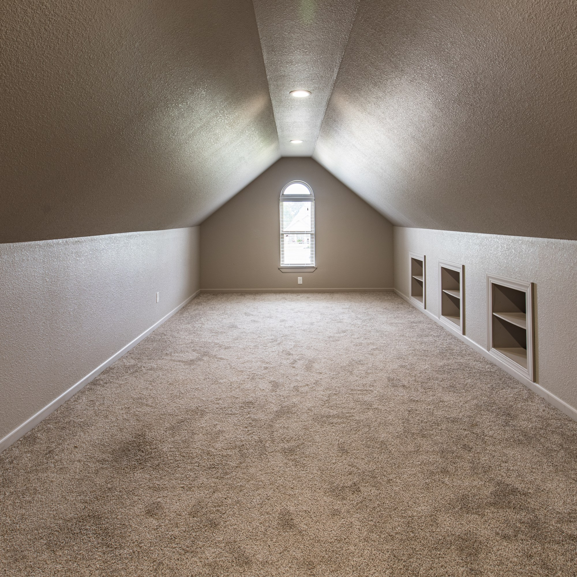 Beautiful Newer Construction on An Acre in Blanca Meadows