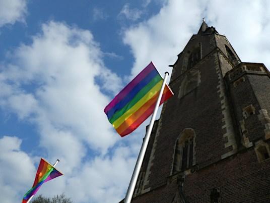 Regenbogenflagge Ludgerikirche Selm