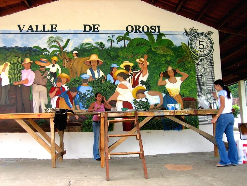 Foto van een muurschildering in een Costaricaans dorp.