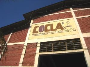 Foto van het hoofdgebouw van boerencoöperatie COCLA in Quillabamba.