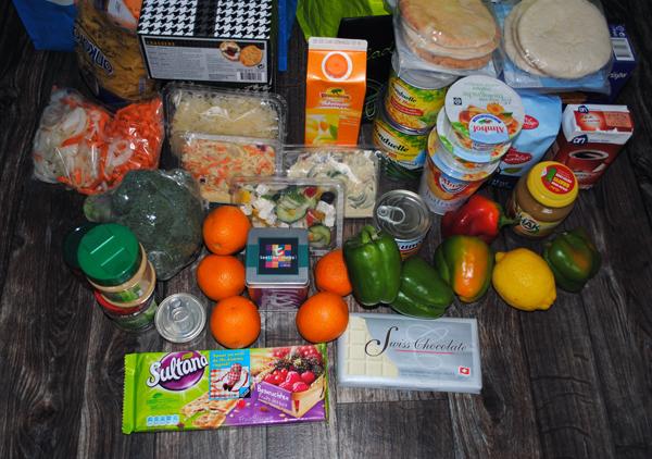 De Voedselbank. Wat zit er in dat wekelijkse pakket dat de allerarmsten ontvangen? Verrassing! (2/6)