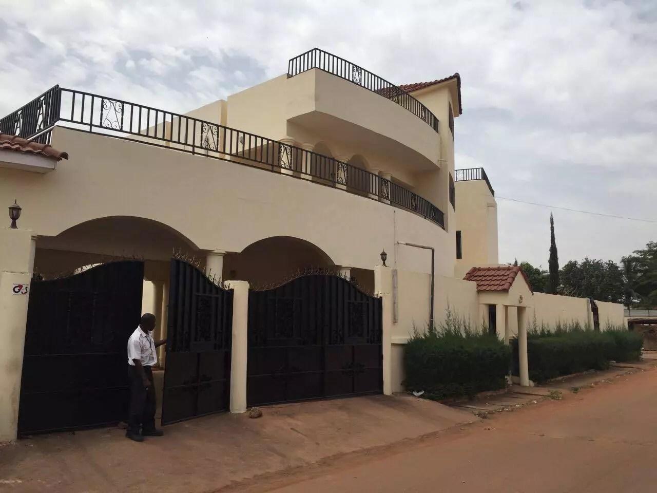 Villa haut standing avec piscine a louer a Hamdallaye ACI  Ref3759  Se Loger Au Mali