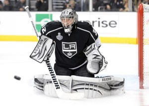 Los Angeles Kings goaltender Jonathan Quick keeping his shoulders parallel and level