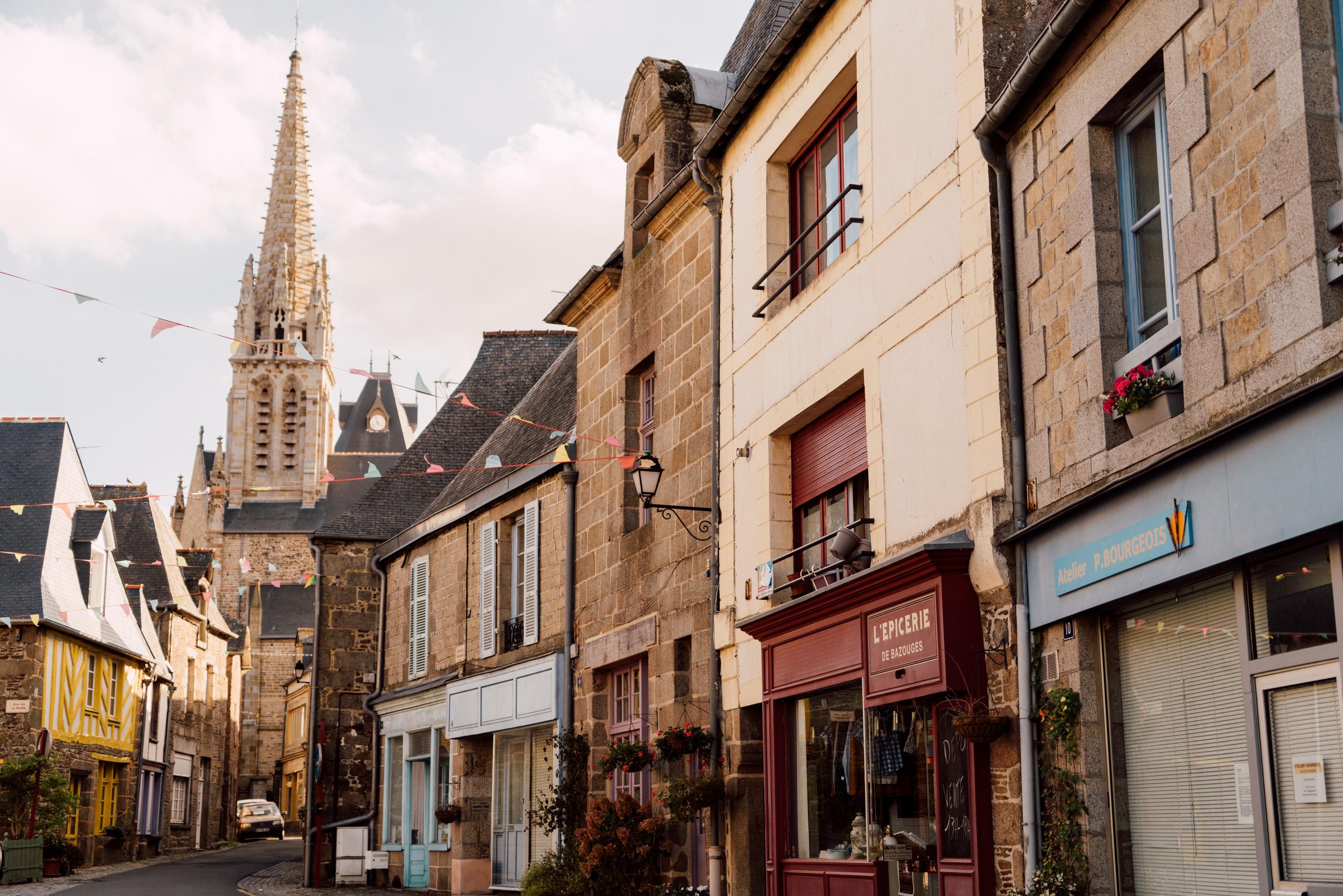 Bazouges la Perouse Rue de leglise © NOE C. PHOTOGRAPHY