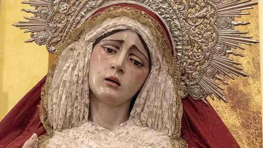 Virgen Reina de Todos los Santos.