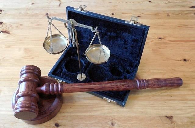 Które ustawy prawne obowiązują e-przedsiębiorców?