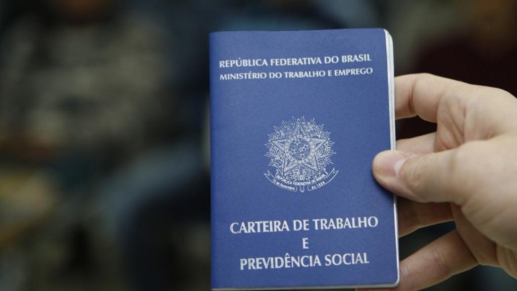 Reforma trabalhista será aplicada à luz de direitos constitucionais, diz ministra do TST