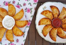 EMPANADILLAS BONITO BACON