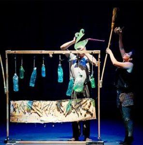 Teatro Pamplona Hombre Cigueña
