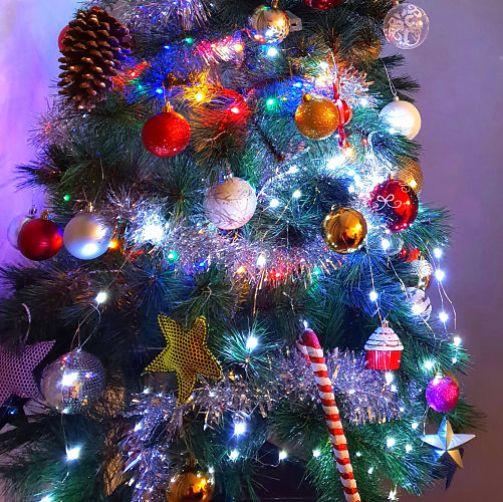 ¿Huele a Navidad ya eh? Y como nos gusta: la ilusión de nuestros hijos, envolver regalos y pensar en menús. El espíritu navideño nos envuelve estas semanas y la alegría se respira por todo.