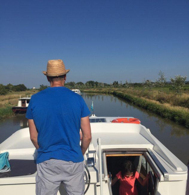 Canales Francia en barco