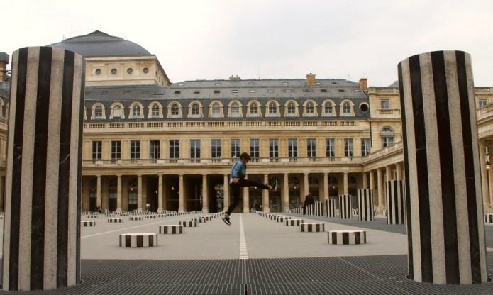 Visitar Paris con adolescentes columnas de Buren
