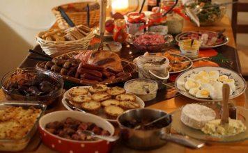 Mesa llena de comida. Recetas aprovechamiento