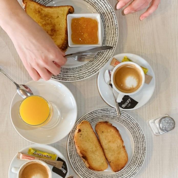 Desayuno en El Quinto Pino