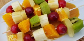 BROCHETAS FRUTA TOFFEE
