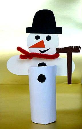 Người tuyết thủ công làm bằng cuộn