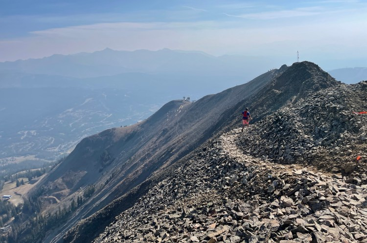photo of a runner during mile 14 of the 2021 Rut 50K