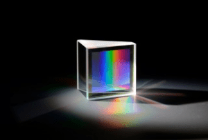 A prism and grating structure (Source: Fraunhofer IAO)