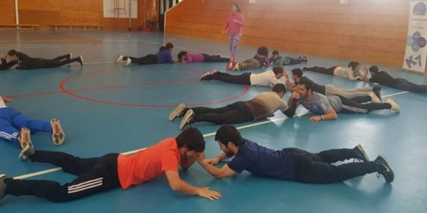 Departamento de Educación Física y Salud participa en jornada de capacitación en Santiago