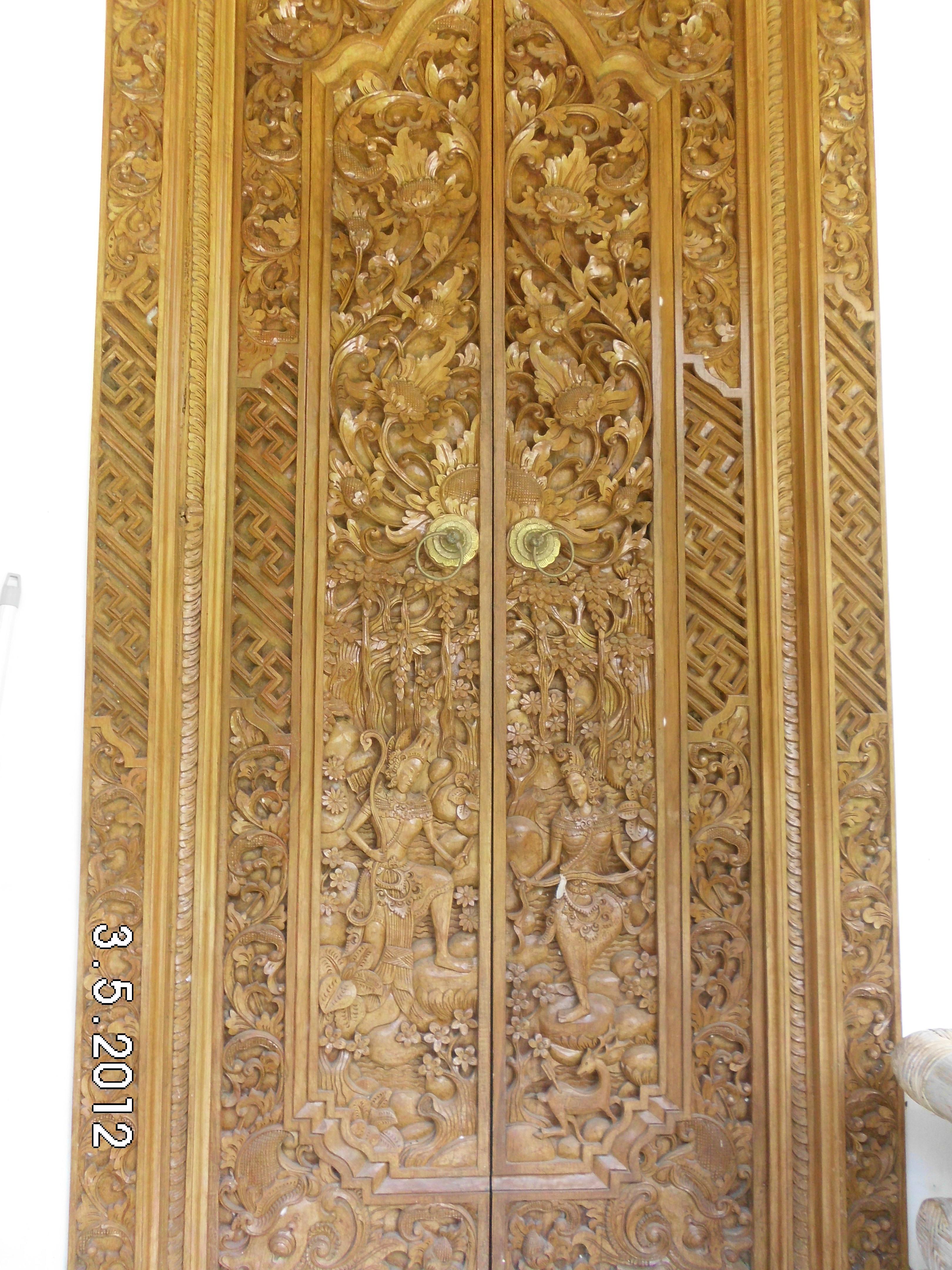 Pintu Ukiran Bali  SEm Outs
