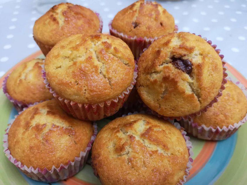 Muffin senza glutine alla banana e cioccolato