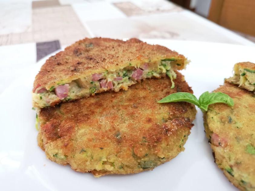 Burger di zucchine e prosciutto