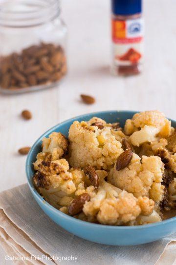 Cavolfiore al forno con mandorle e paprika piccante|ricetta vegana