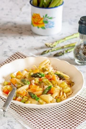 Pasta gluten free con pesto di asparagi