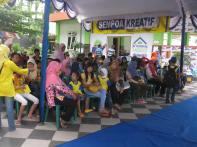 Para peserta Kompetisi Sempoa Kreatif di Umbul Dolopo Madiun,Februari 2014