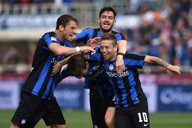 Gomez celebrates giving La Dea the lead. | Valerio Pennicino/Getty Images