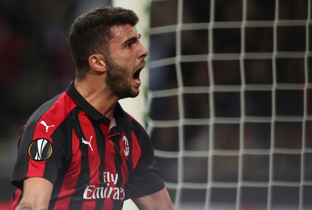 MILAN, ITALY - OCTOBER 04: Patrick Cutrone of AC Milan celebrates his goal during the UEFA Europa League Group F match between AC Milan and Olympiacos at Stadio Giuseppe Meazza on October 4, 2018 in Milan, Italy. (Photo by Marco Luzzani/Getty Images)