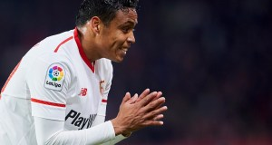 SEVILLE, SPAIN - FEBRUARY 07: Luis Muriel of Sevilla FC reacts during the Copa del Rey semi-final second leg match between Sevilla FC and CD Leganes at Estadio Ramon Sanchez Pizjuan on February 7, 2018 in Seville, Spain. (Photo by Aitor Alcalde/Getty Images)