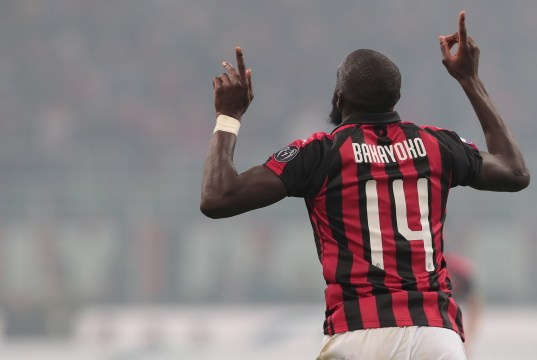 MILAN, ITALY - MARCH 17: Tiemoue Bakayoko of AC Milan celebrates his goal during the Serie A match between AC Milan and FC Internazionale at Stadio Giuseppe Meazza on March 17, 2019 in Milan, Italy. (Photo by Emilio Andreoli/Getty Images)