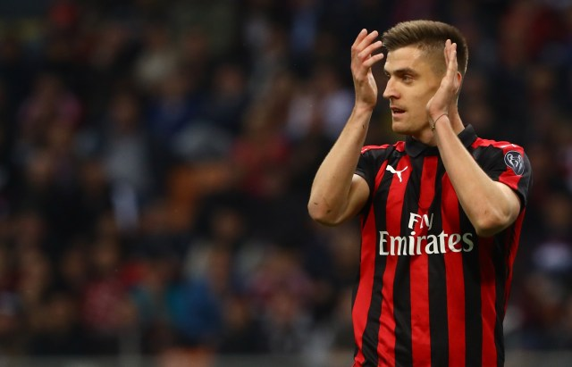 MILAN, ITALY - MAY 06: Krzysztof Piatek of AC Milan gestures during the Serie A match between AC Milan and Bologna FC at Stadio Giuseppe Meazza on May 6, 2019 in Milan, Italy. (Photo by Marco Luzzani/Getty Images)