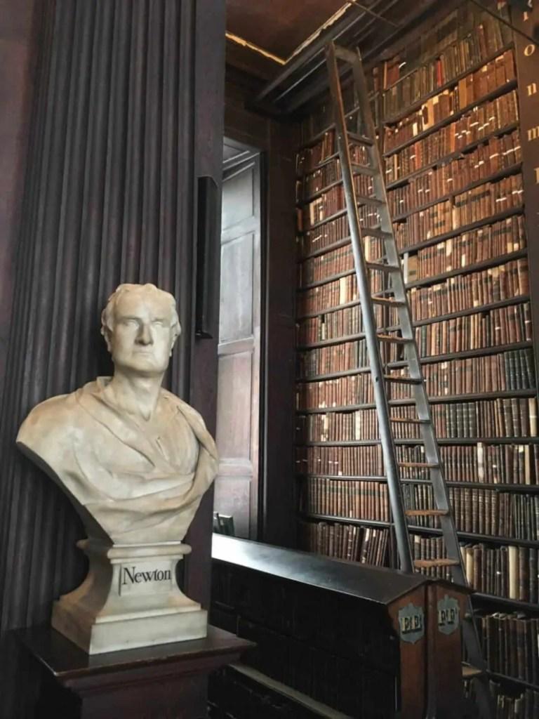 Dettaglio della biblioteca del Trinity College in Irlanda