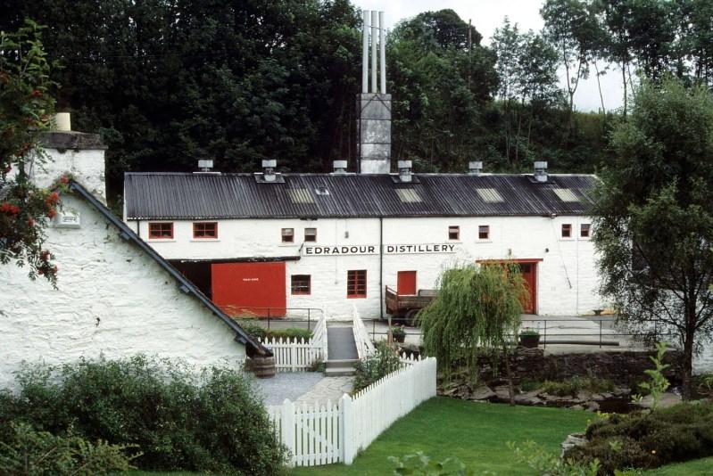 Edradour distillery a Pitlochry vista da esterno