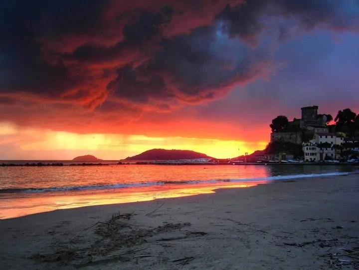 San Terenzo al tramonto