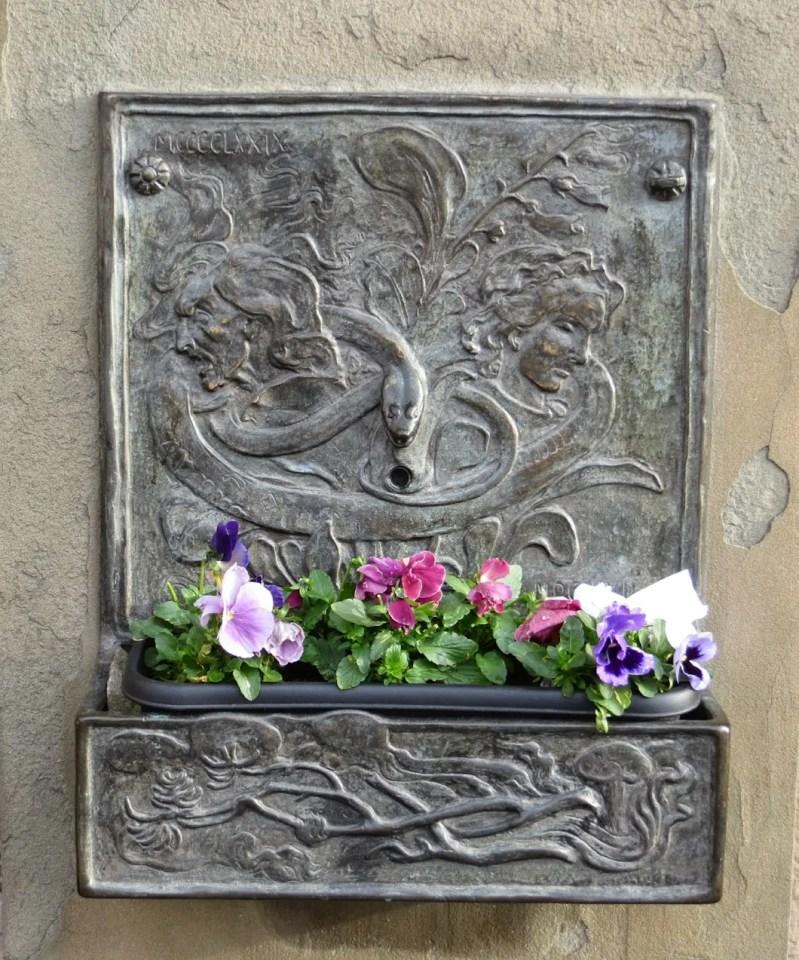 Witches'well la fontana delle streghe a edimburgo