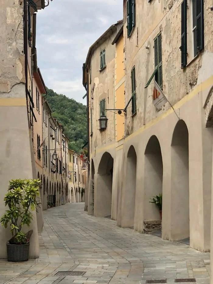 Zuccarello e il suo centro storico