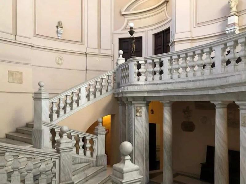 Scalone entrata piano nobile del PalazzoLeopardi