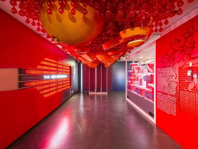 La Galleria Campari con l'arancia nel museo campari