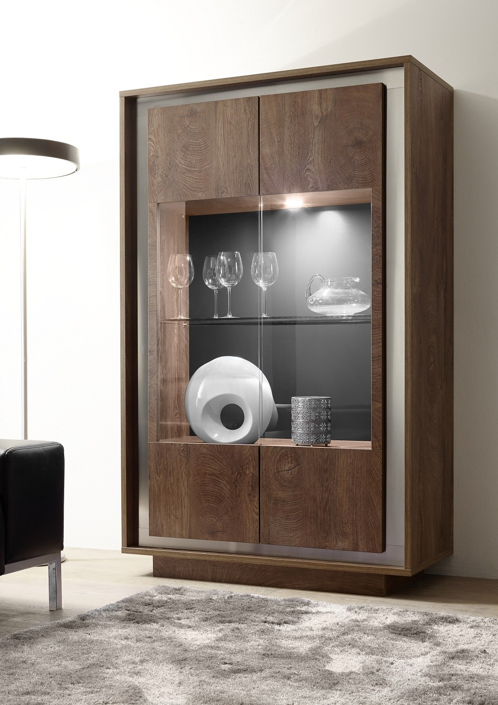 Amber Oak Cognac 4 Door Modern Display Cabinet With Lights