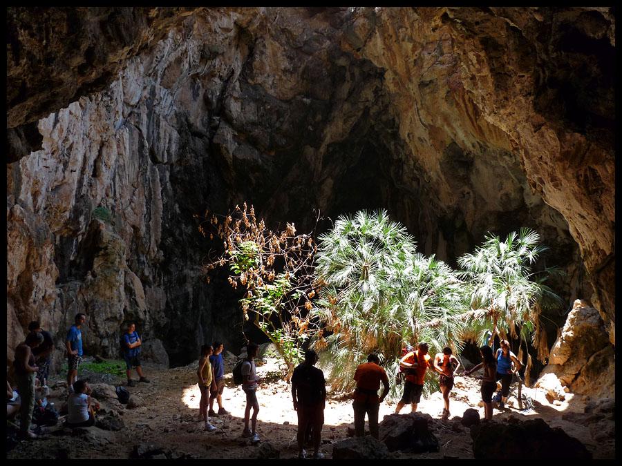 Cueva Neptuno  Haciendo Caminos