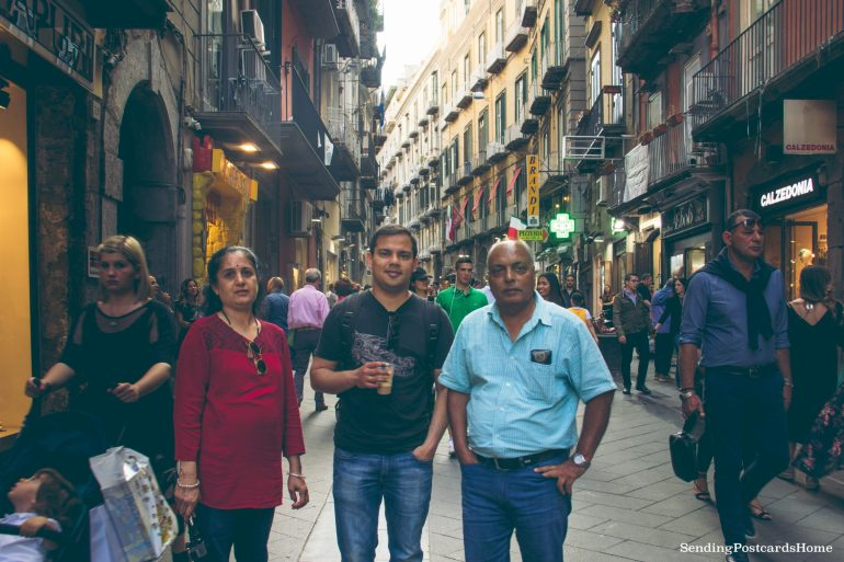 Postcard from Naples & the best pizza places - Steets of Napoli, Italy 3
