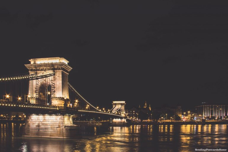 weekend getaway guide to Budapest - Chain bridge Budapest 2